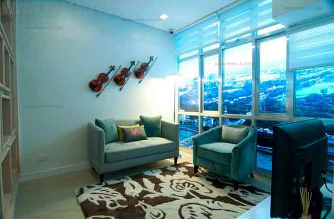 4 Bedroom Unit Living Room