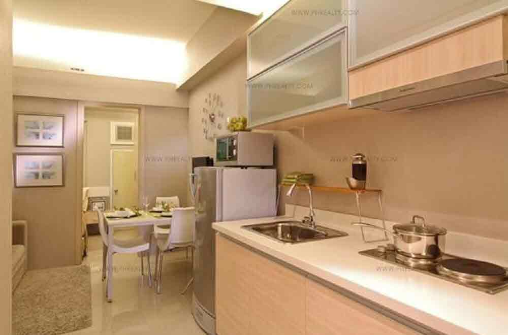 Dining and Kitchenette Area
