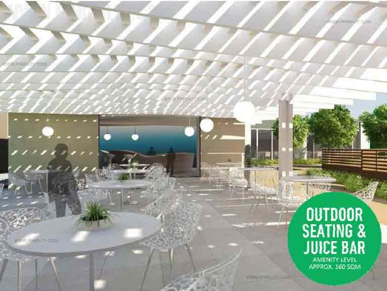 Outdoor Seating & Juice Bar